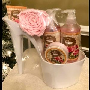 Platform heels bath and shower gift set